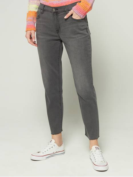 Soft Wear Cropped Girlfriend Jeans