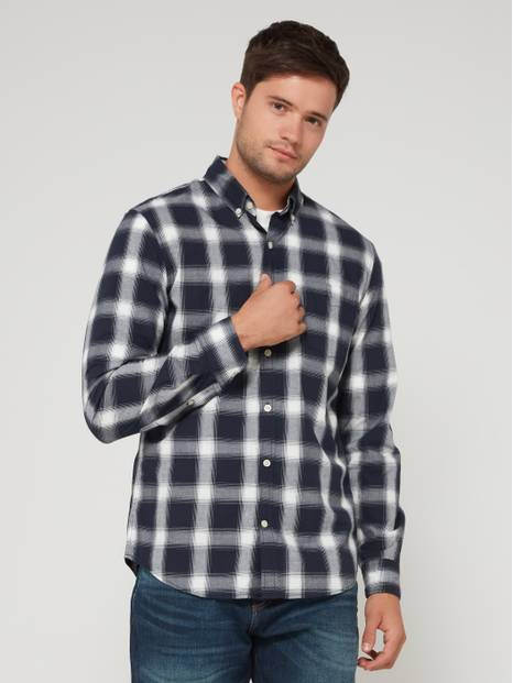 Slim-Fit Long Sleeve Poplin Shirt