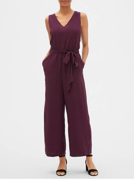 Sleeveless V-Neck Jumpsuit
