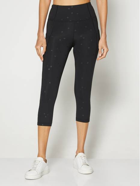 GapFit Blackout Side-Pocket Capris